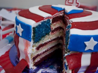 Making an American Flag Cake is How You Win July 4th