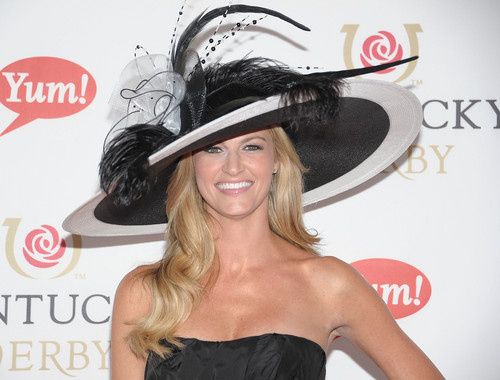 30+ Kentucky Derby hat ideas for you last minute planners