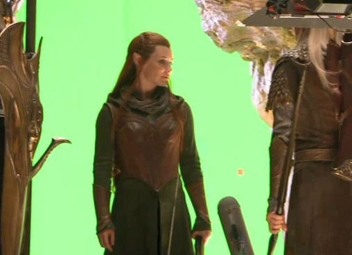The Hobbit Sneak Peek: Scene from Desolation of Smaug, Evangeline Lilly in full costume and much more