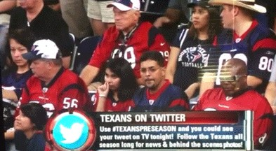 texans fan picks her nose