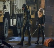 Arrow, Stephen Amell, Caity Lotz