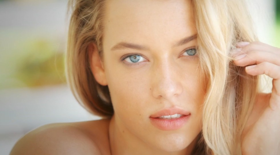 'SI Swim' Girl-Crush: Hannah Ferguson