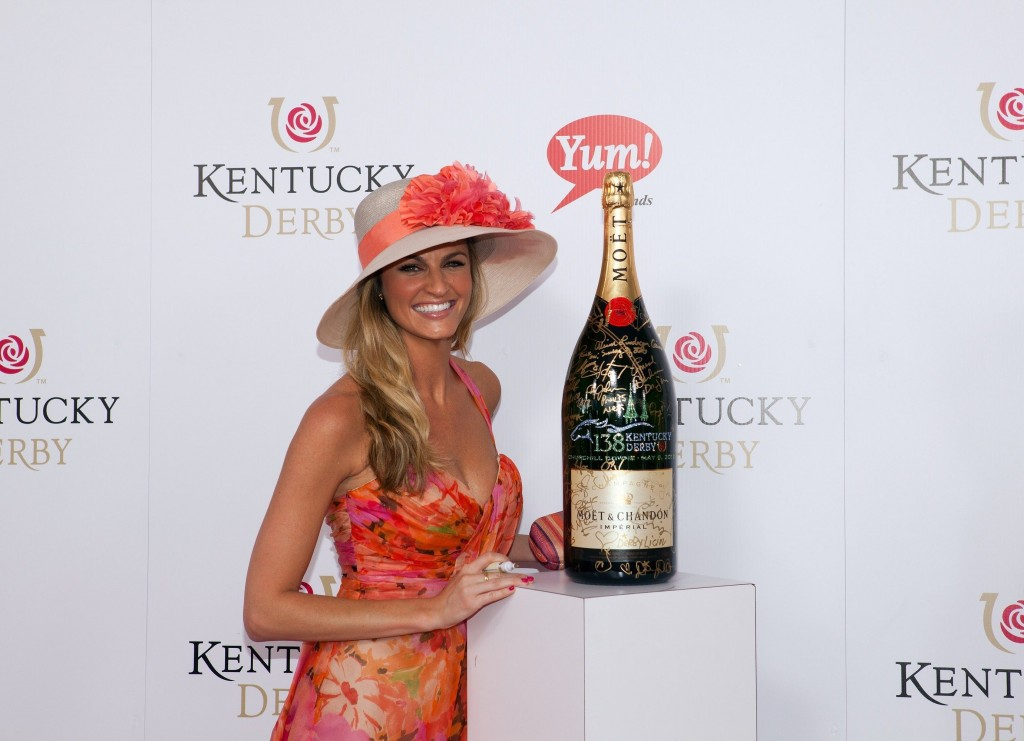 Erin Andrews at the 138th Kentucky Derby, May 05 2012