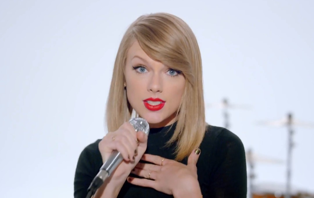 "Taylor Swift's New ""Shake it Off"" Song is Ridiculously Catchy"