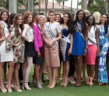 Miss Universe contestants try out their best golf swing