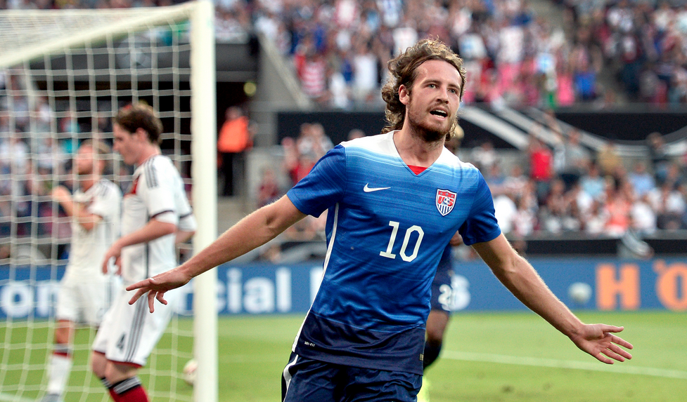 Watch U.S. soccer's 30-pass build up to Mix Diskerud's goal vs. Germany