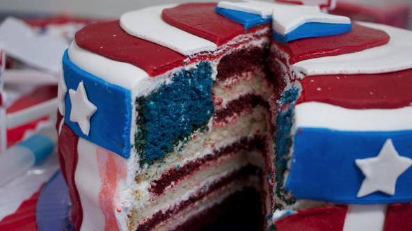 An American flag cake is how you win July 4th