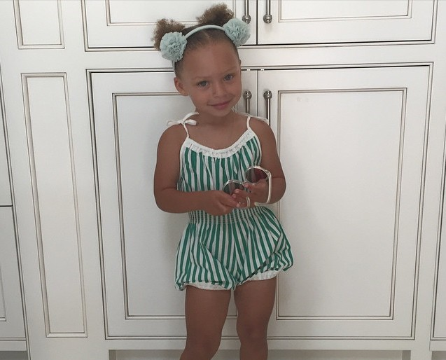 Riley Curry continues to prove why she's the best sports child