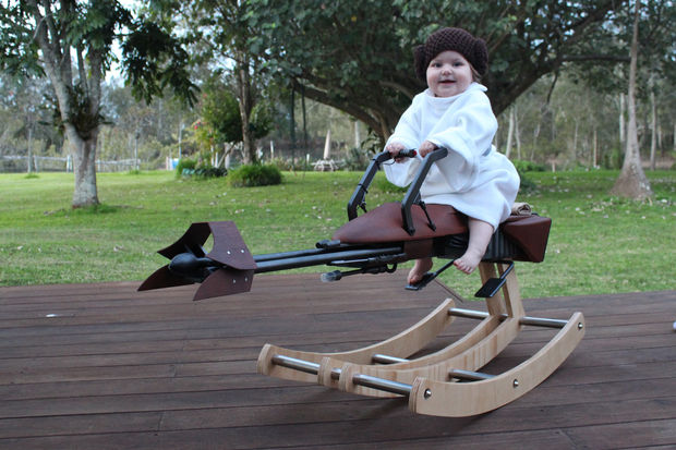 Best dad ever creates Star Wars speeder bike for his adorable baby daughter