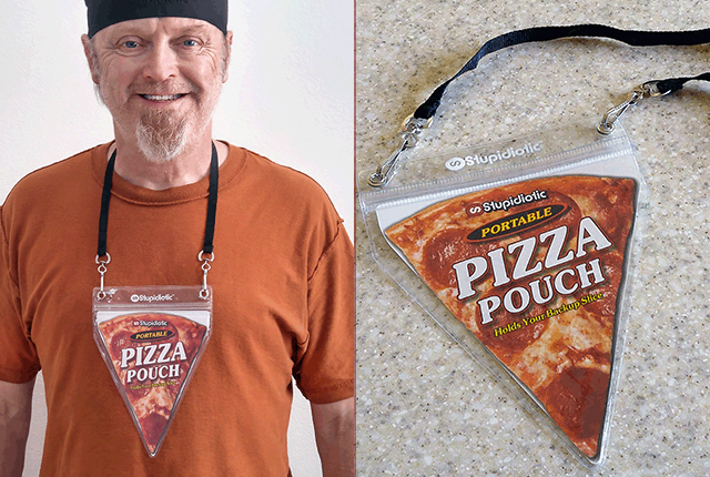 This pizza pouch necklace is the way to a woman's heart