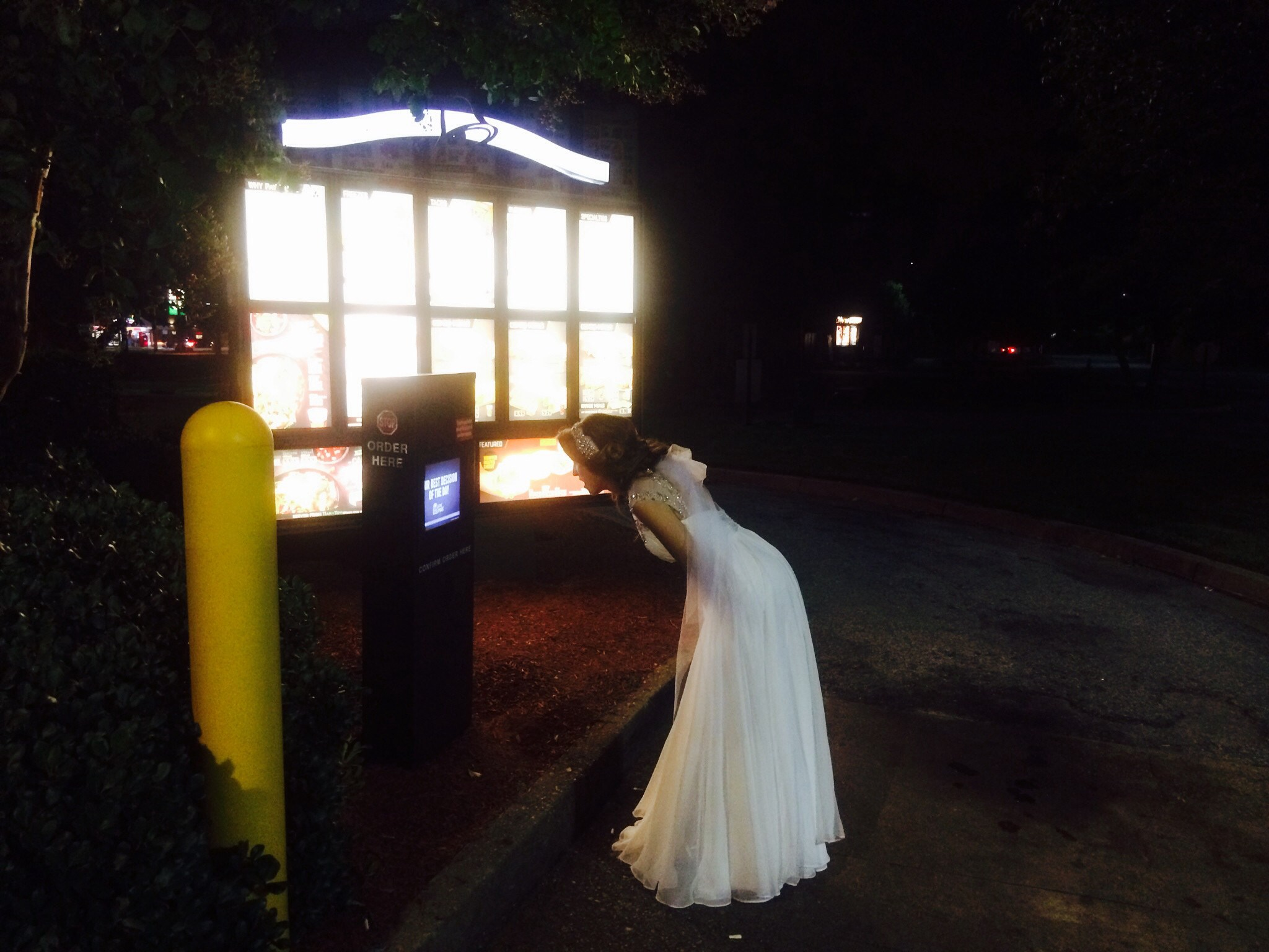 drunk bride orders taco bell