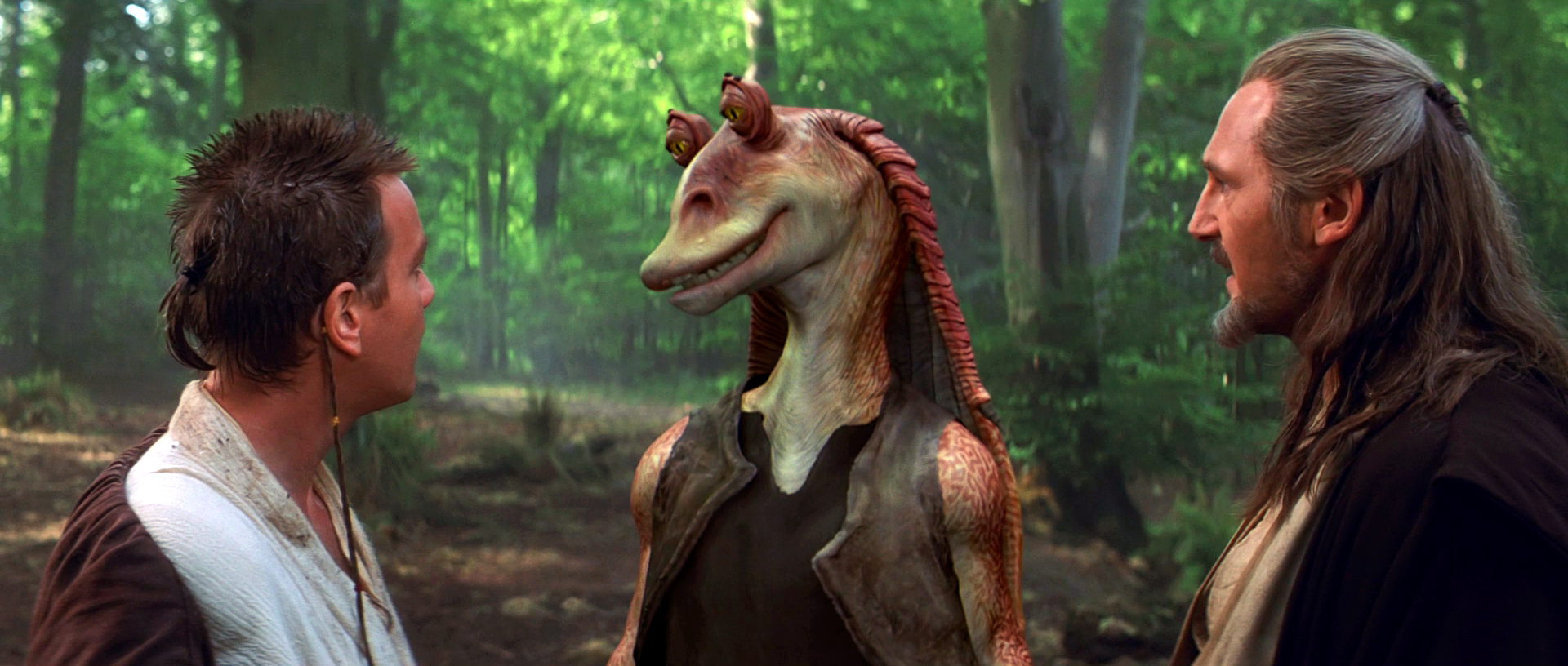 Video explains how the hated Jar Jar Binks is a Sith Master