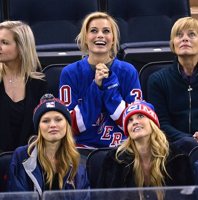 Tips For Being The Ultimate Female Sports Fan
